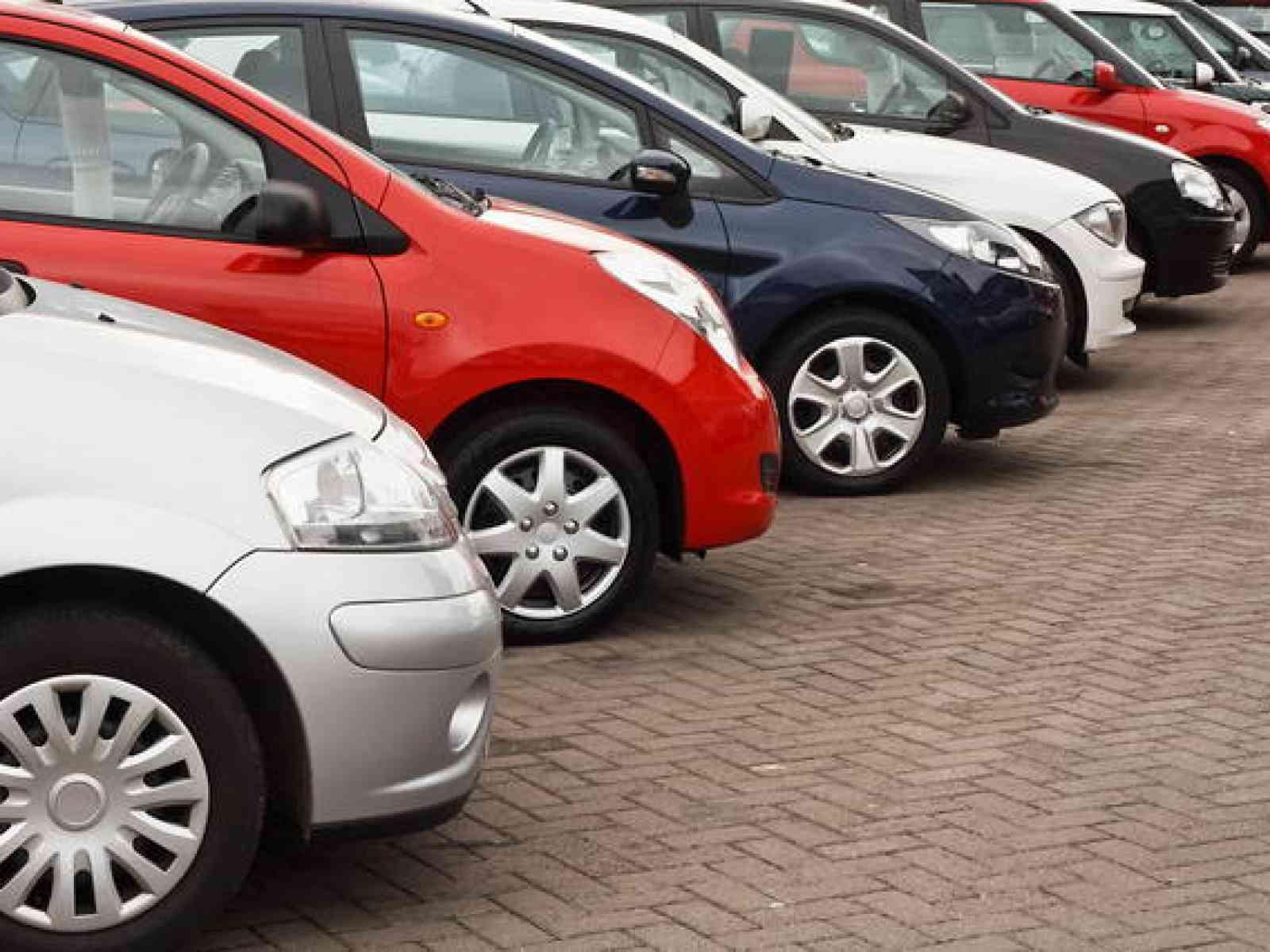 Immagine articolo: Il mercato delle auto in Italia tra incentivi, addio al diesel e svolta green