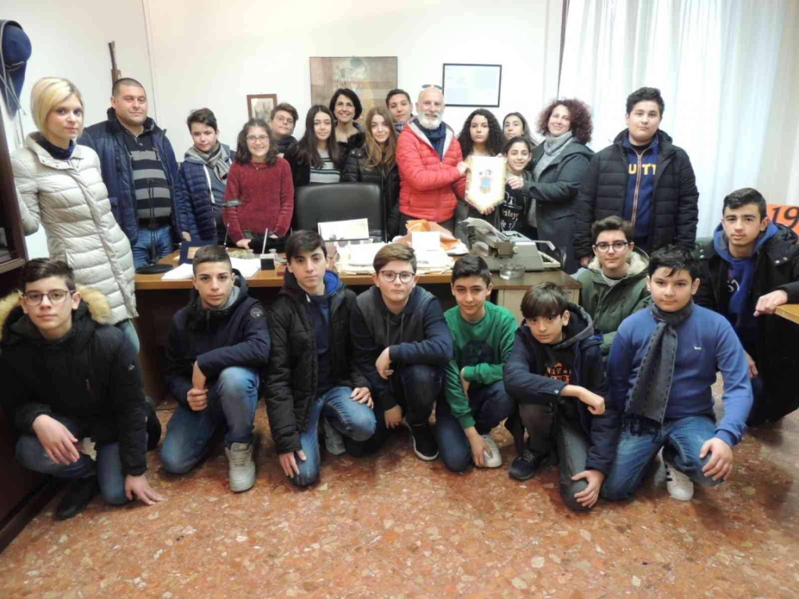 Immagine articolo: Poggioreale, alunni in visita agli uffici di Falcone e Borsellino