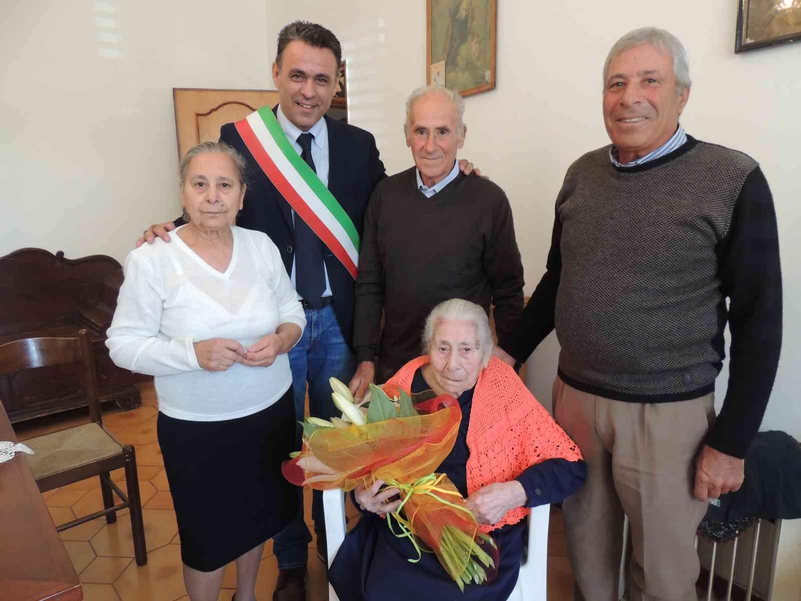 Immagine articolo: Ci ha lasciati Maria Salvaggio, la 'nonna' ultracentenaria a sette giorni dal compleanno