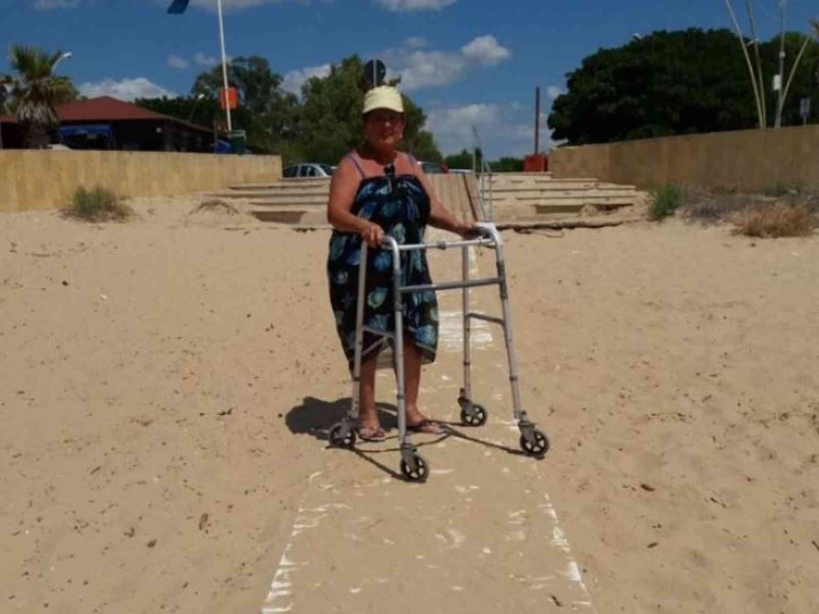 """Immagine articolo: """"Io, disabile nella spiaggia a Lido Fiori mi sono sentita a casa tra comfort e passerella. Grazie agli Amministratori di Menfi"""""""