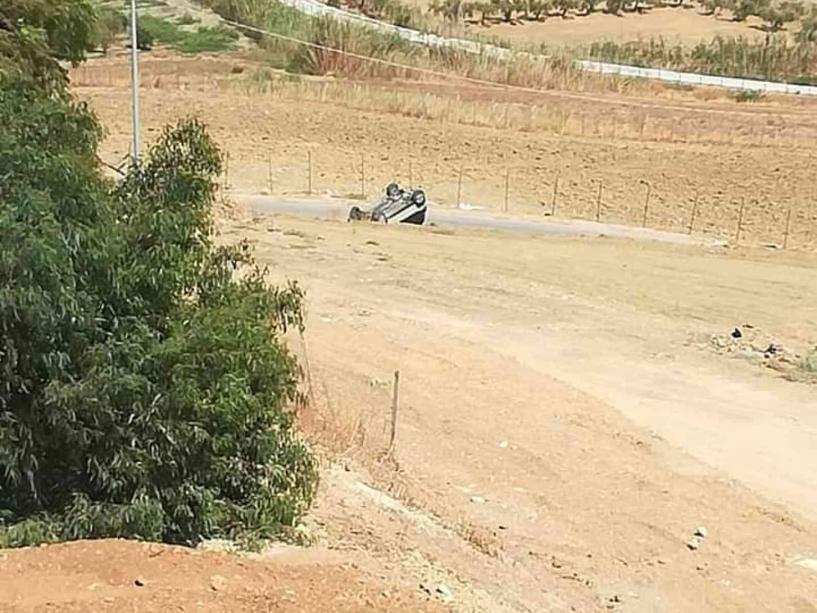 Immagine articolo: Contrada Fiori,  automobilista perde il controllo del mezzo. Automobile finisce cappottata