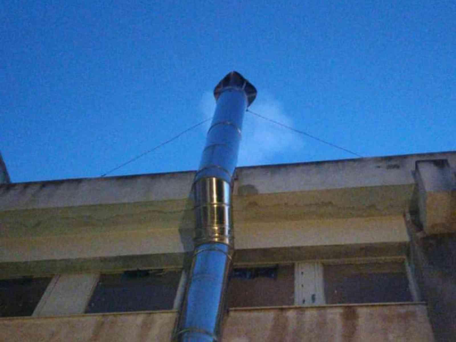 """Immagine articolo: Montevago, """"fumata bianca"""". Ha ripreso a funzionare il riscaldamento della scuola Gravina della cittadina termale."""