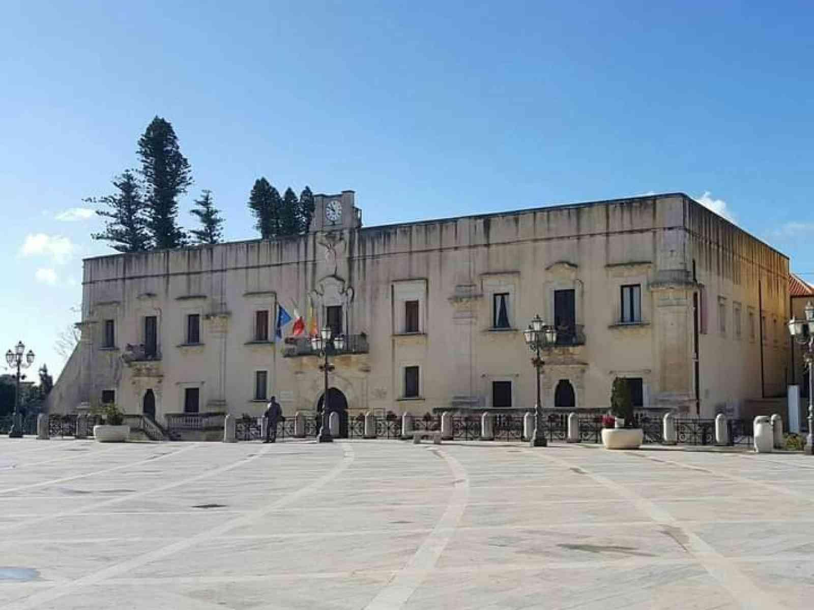 Immagine articolo: Palazzo comunale di Santa Margherita, arriva l'ascensore per gli utenti con difficoltà motorie