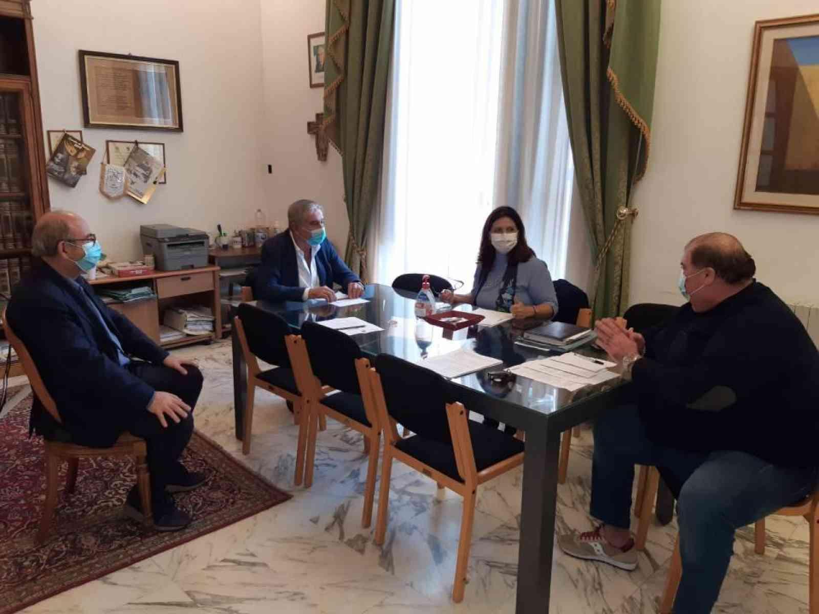 Immagine articolo: L'Amministrazione Mauceri incontra il Dott. Emanuele Scarpuzza componente del Comitato Tecnico Scientifico della Regione