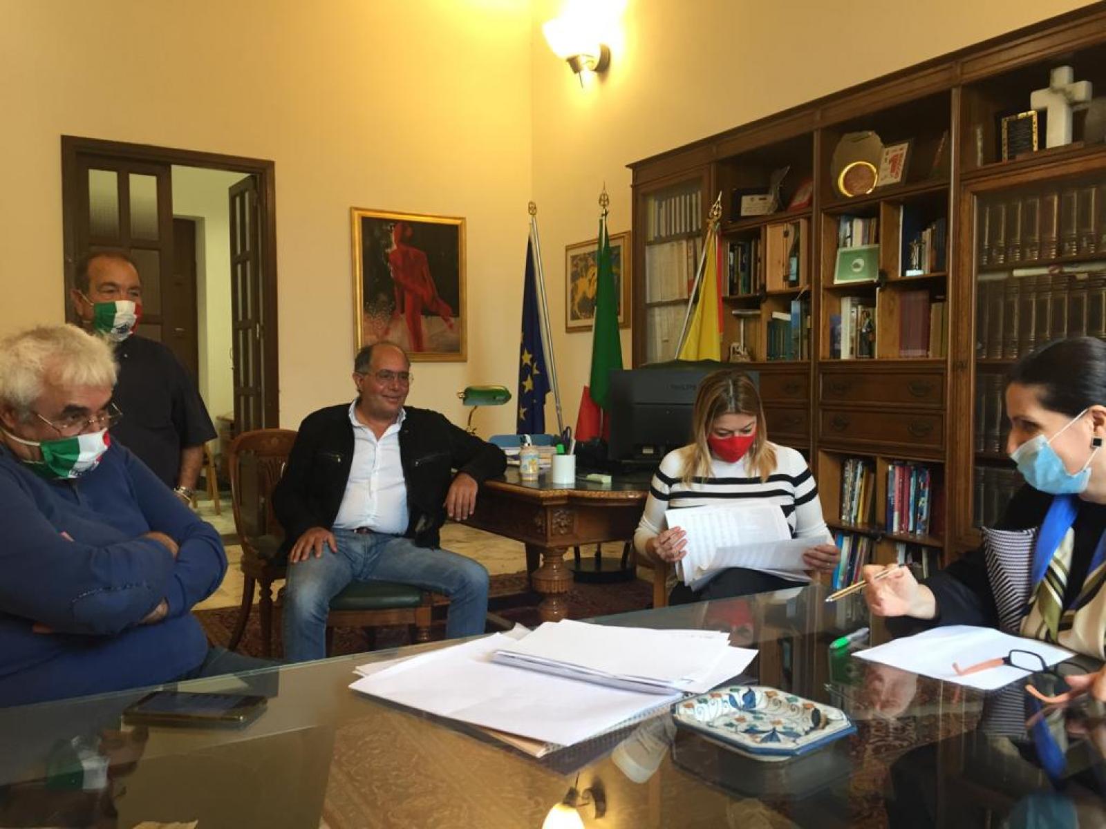 Immagine articolo: Menfi, incontro tra l'Amministrazione e Federcasa