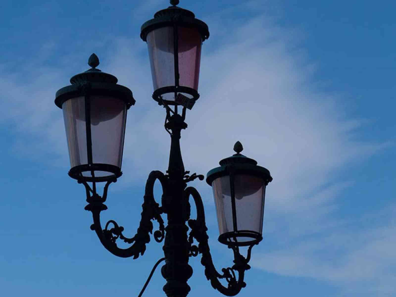 """Immagine articolo: S. Margherita, cittadini """"sentinelle"""" dell'illuminazione pubblica. Potranno contattare direttamente la  società che gestisce il serviz"""