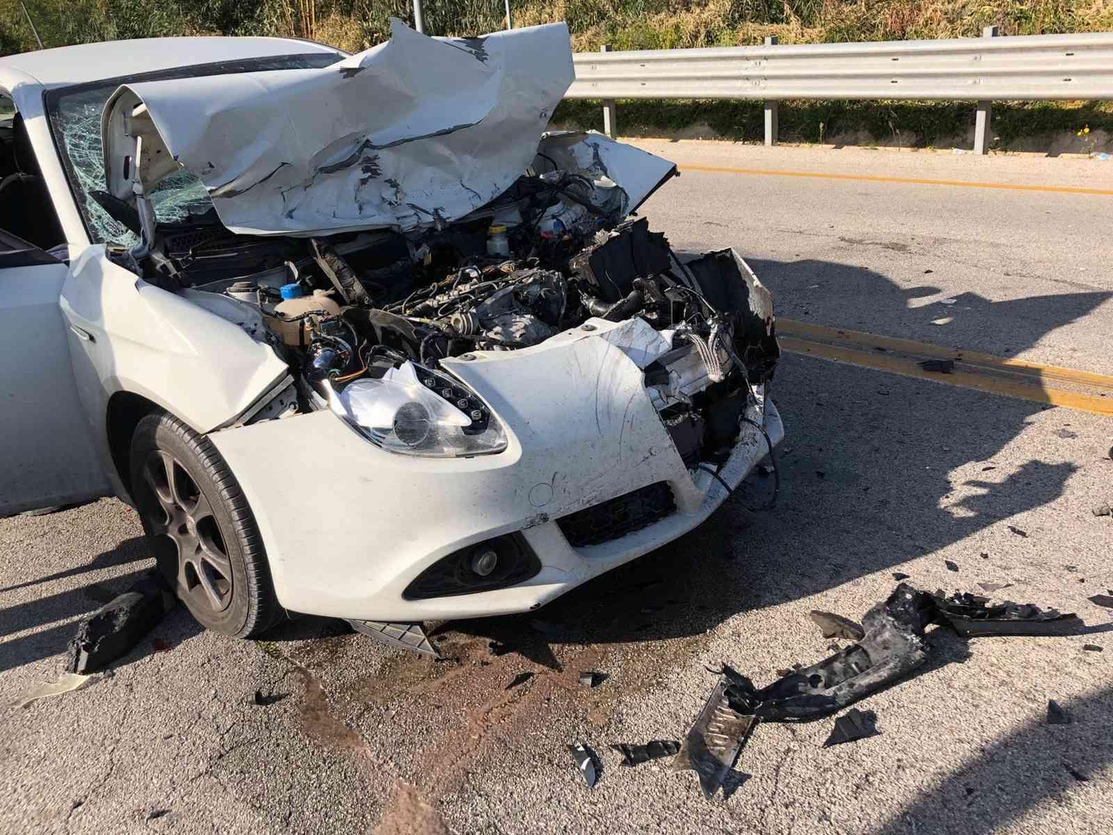 Immagine articolo: Incidente tra due auto all'uscita di Menfi. Sul posto i Carabinieri