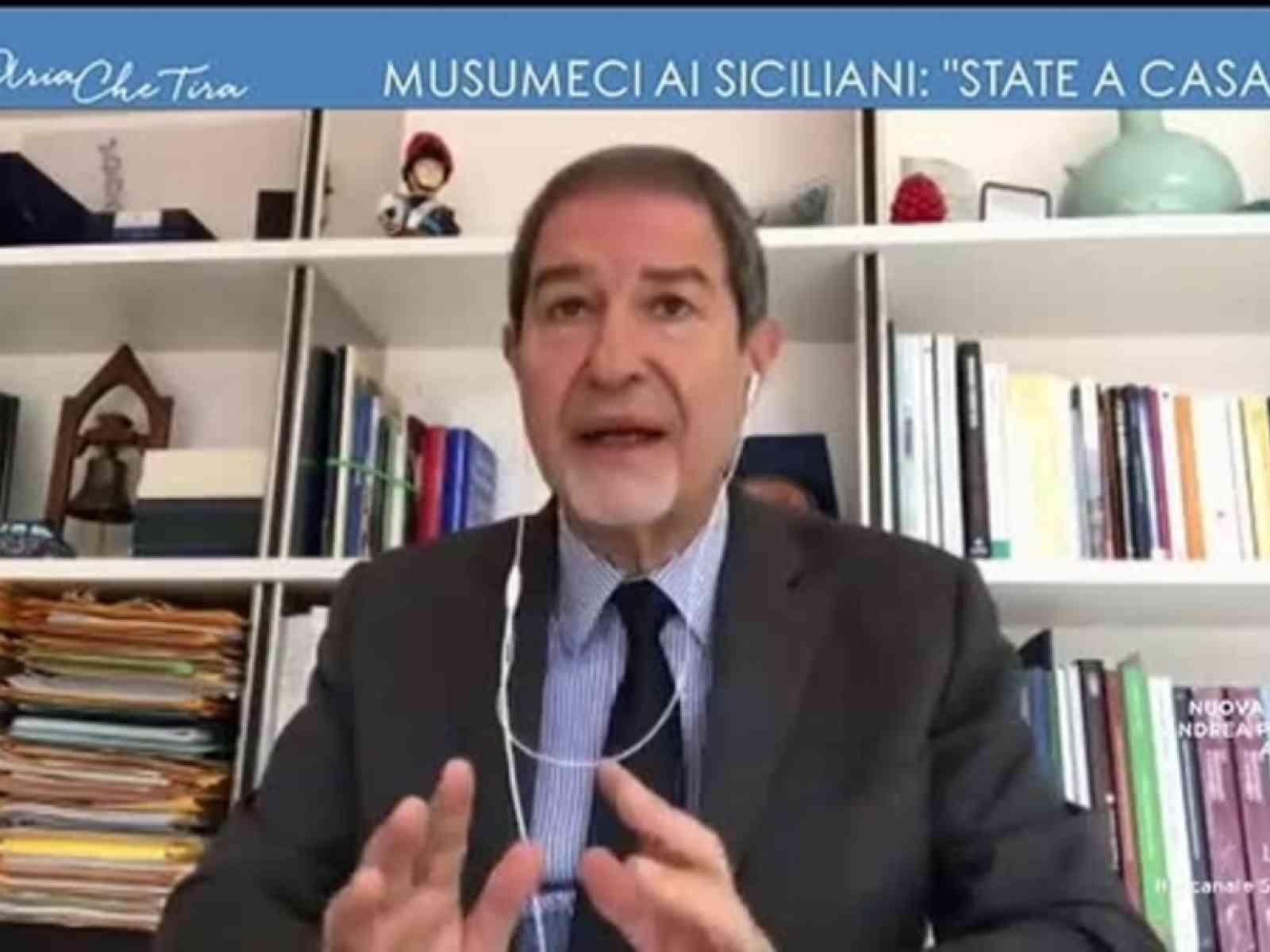 """Immagine articolo: Sbarchi a Messina, lettera di Musumeci al ministro dell'Interno: """"Non posso consentire tale irresponsabilità da parte del governo nazionale"""""""