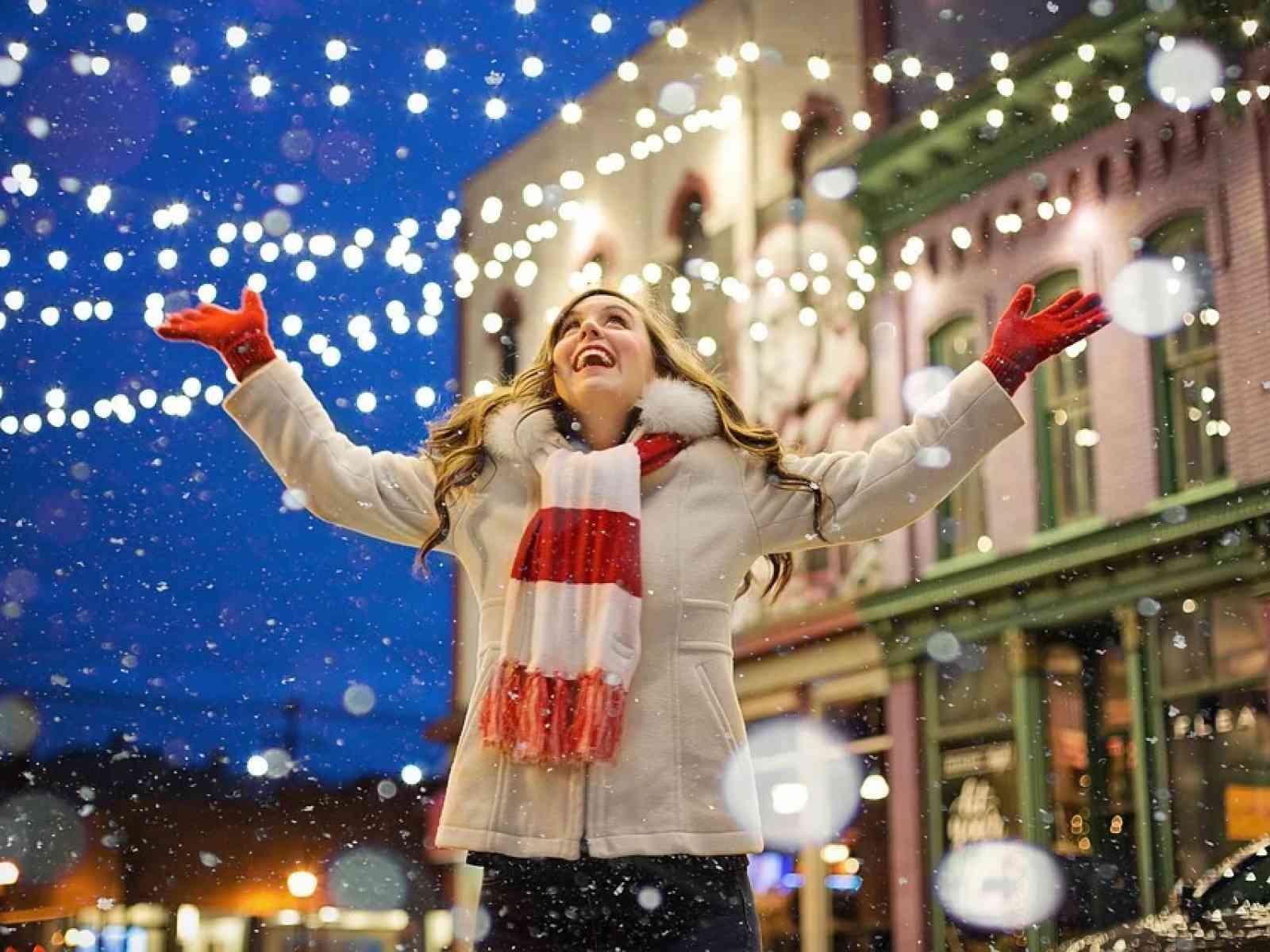 Immagine articolo: Natale, Codacons: consumi segneranno calo record. quasi 3 italiani su 10 rinunciano a regali