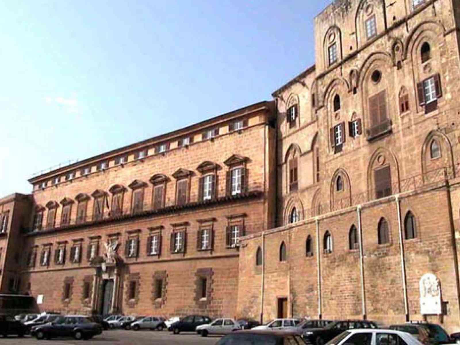Immagine articolo: La divisione amministrativa e l'antico parlamento siciliano dai Normanni ad oggi passando per Federico II