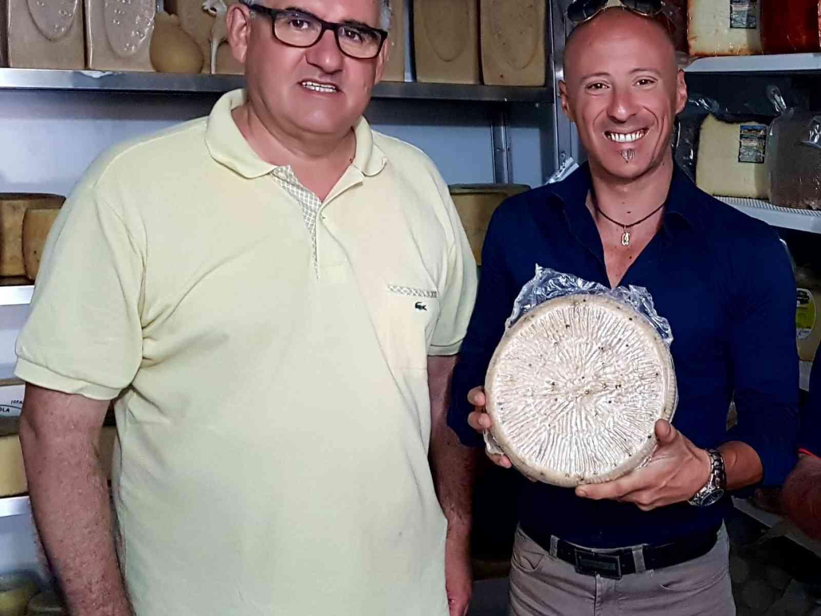 Immagine articolo: Via al tour delle aziende agricole e zootecniche del territorio siciliano da parte di Ciro Miceli (Lega)