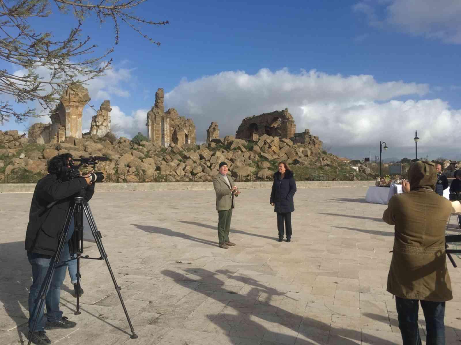 """Immagine articolo: """"Ricette all'italiana"""" a Montevago, il vecchio centro trasformato in un set televisivo"""