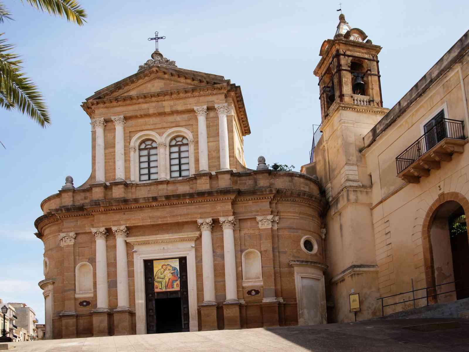 Immagine articolo: Sambuca incentiva il turismo: Case in vendita a 1 euro