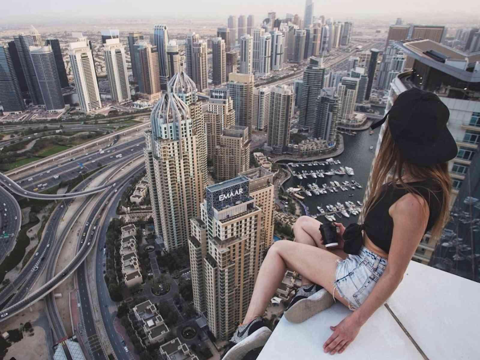 Immagine articolo: Killfie: i selfie che uccidono tra imprudenze e voglia di esibirsi