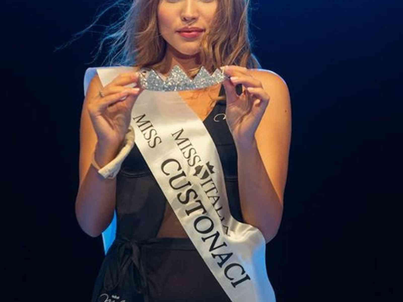 Immagine articolo: La 20enne menfitana Paola Gambina prima classificata alle Finali Regionali di Miss Italia
