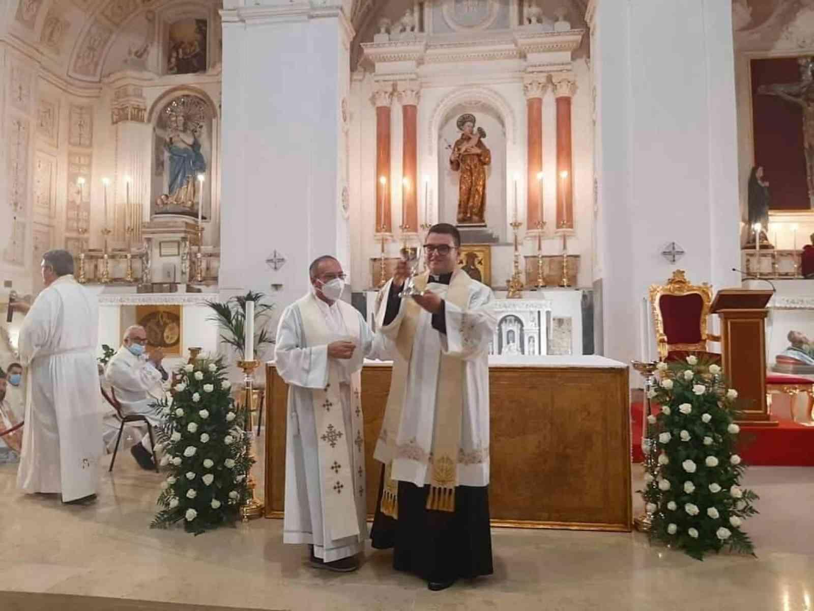 Immagine articolo: Prima celebrazione della S.Messa a Menfi del nuovo sacerdote menfitano Don Salvatore Piazza