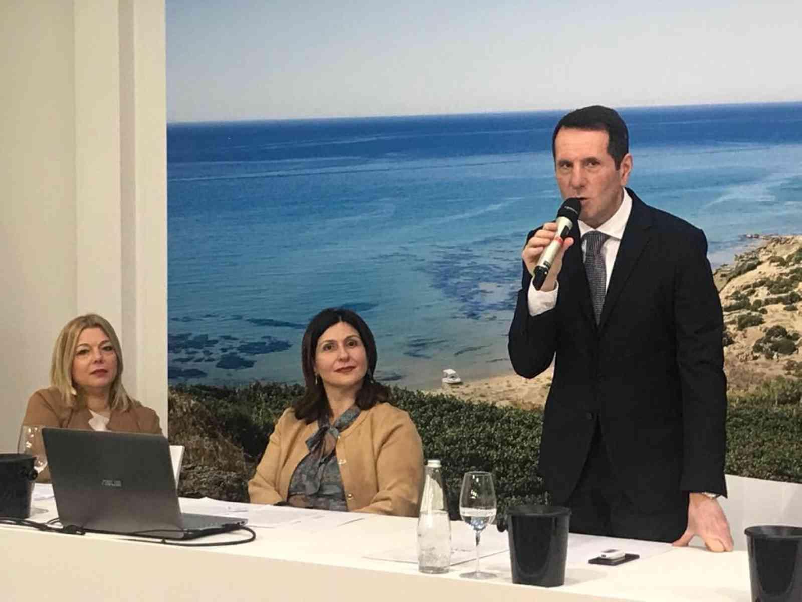 Immagine articolo: Menfi e Inycon presenti al Vinitaly di Verona. Successo di pubblico alla conferenza stampa di presentazione. Presente anche il Sindaco Mauceri
